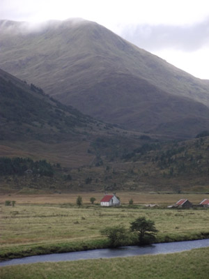 Athnamulloch cottage, Affric Kintail Way  Scottish Highlands